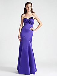 Lanting Bride® Floor-length Satin Bridesmaid Dress - Trumpet / Mermaid Strapless / Sweetheart Plus Size / Petite withFlower(s) / Side