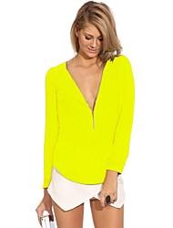 Женская блузка с V образным вырезом