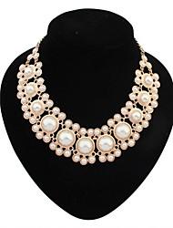 couches perles élégant collier déclaration de dossard des femmes