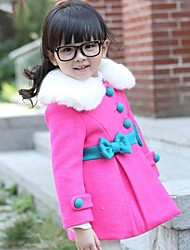 arco casaco gola de pele da menina