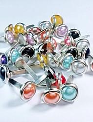 24pcs / couleur Pack clous album de perles mélangées
