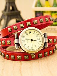Wanbao Women's Vintage Bracelet Watch