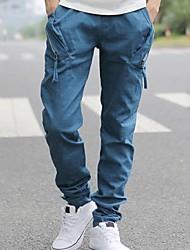 los hombres pantalones casuales