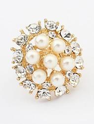 Women's Luxurious Pearls Rhinestone Beaded Openwork Round Statement Ring