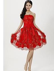 yuntuo®bridesmaid na altura do joelho vestido de renda uma linha de vestido de princesa strapless