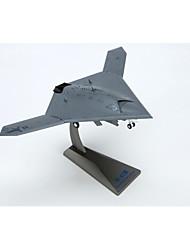 nous x-47b modèle de uva 1:72