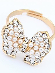 Tina -- European and American Elegant Pearl Bowknot Ring in Wedding