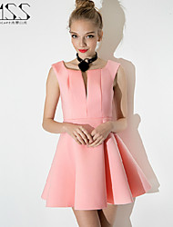 Mini - Vestido - Poliéster - Sem Forro