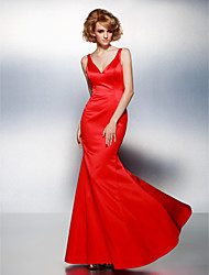 TS Couture® Prom / Formal Evening Dress Plus Size / Petite Trumpet / Mermaid V-neck Floor-length Satin with
