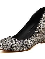 Bombas / Tacones ( Negro/Dorado Zapatos con plataforma/Dedo Puntiagudo - Tacón Cuña - Sintético - para MUJERES