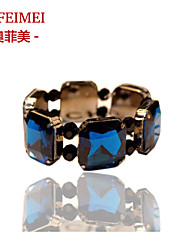 Nightclubs exaggerated crystal bracelet