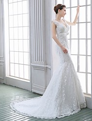 Trumpet/Mermaid Wedding Dress - White Sweep/Brush Train V-neck Lace