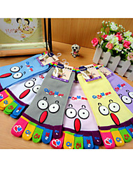 Unisex Cute Cartoon Color 5 Finger Toe Cotton Medium Socks(Random Color)