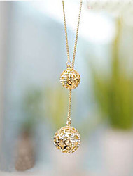 May Polly Spherical diamond necklace