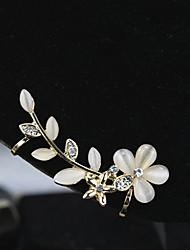 Brinco Formato de Flor Punhos da orelha Jóias 1pç Pedras dos signos Diário / Casual Liga / Strass Feminino Dourado / Branco