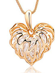New Arrival Fashional Popular Delicate Hollow Crystal Heart Necklace