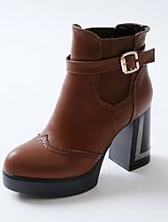 Calçados Femininos Courino Salto Grosso Bico Fino/Botas da Moda Botas Escritório & Trabalho/Social/Casual Preto/Marrom