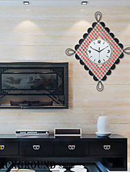 Fashionable Chinese knot Creative Modern Luxurious Sitting Room Wall Clock