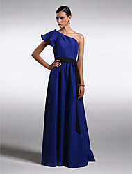 Lanting Bride® Floor-length Chiffon / Satin Bridesmaid Dress - Sheath / Column One Shoulder Plus Size / Petite with
