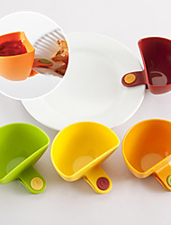 Set of 4 Mini Clip-on Seasoning Container Set Vinegar Sauce Bowl Kitchen (Random Color)
