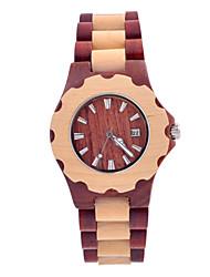 hecho a mano para hombre reloj de madera hecha de madera de sándalo rojo. cada reloj es único porque no hay dos piezas de madera son los