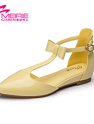 Women's Shoes Patent Leather Flat Heel Mary Jane/Pointed Toe/Closed Toe Flats Office & Career/Casual Yellow/Green/Beige