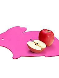 coelho bonito dos desenhos animados tábua de corte em forma (rosa)