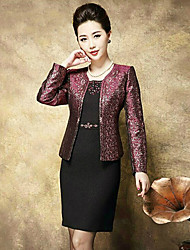 Sheath / Column Mother of the Bride Dress Knee-length Long Sleeve Polyester with Beading / Pattern / Print