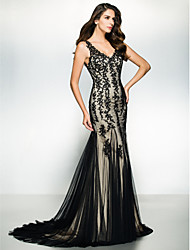 Formal Evening / Black Tie Gala Dress-Black Trumpet/Mermaid V-neck Sweep/Brush Train Tulle