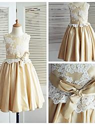 A-line Knee-length Flower Girl Dress - Lace / Taffeta Sleeveless