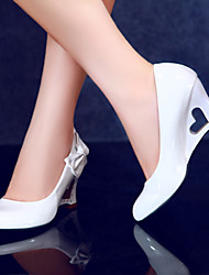 Women's Shoes Wedge Heel Wedges / Heels / Novelty Heels Dress / Casual Black / Yellow / Red / White