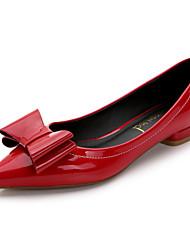 Damen-Flache Schuhe-Lässig-Kunstleder-Flacher Absatz-Komfort / Spitzschuh / Geschlossene Zehe-Schwarz / Rot / Silber