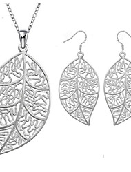 Classic Hollow Leaf Jewelry Sets  (Set of 2)
