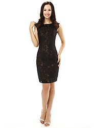 Sheath / Column Mother of the Bride Dress Knee-length Lace with Appliques / Crystal Detailing / Lace / Sequins
