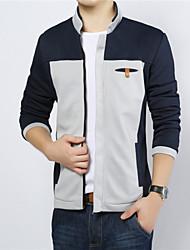 The 2015 men's winter fashion leisure Europe simple color zipper collar comfortable jacket coat