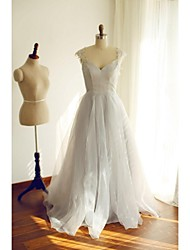 Formal Evening Dress A-line Scoop Floor-length Organza / Satin with Buttons / Lace