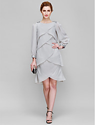 Sheath / Column Mother of the Bride Dress Knee-length Long Sleeve Chiffon with Beading / Tiers