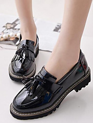 Women's Shoes Vintage Tassels Patent Leather Low Heel Comfort / Round Toe Loafers Outdoor / Casual