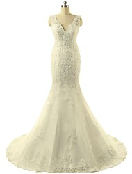 Trumpet / Mermaid Wedding Dress Sweep / Brush Train V-neck Lace / Tulle with Appliques / Lace