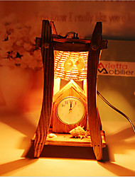 kreative Holz der Pyramide mit Uhr Container Dekoration Schreibtischlampe Schlafzimmerlampe Geschenk für Kind