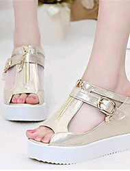 Women's Shoes Leatherette Wedge Heel Wedges Sandals / Slippers Outdoor / Casual Silver / Gold