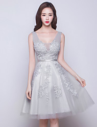 Knee-length Tulle Bridesmaid Dress-Silver Ball Gown V-neck