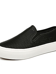Women's Shoes Leatherette Flat Heel Creepers / Comfort Loafers / Slip-on Outdoor / Casual Black / White / Silver