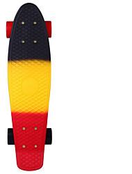 Fade-Plastikskateboard 22-Zoll-Mini-Cruiser schwarz gelb rot mit ABEC-11 Lager
