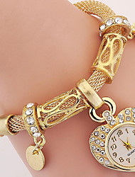 Women's Fashionable Leisure Heart-shaped Bracelet Watch Cool Watches Unique Watches