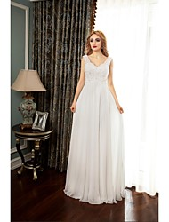 A-line Wedding Dress Court Train Sweetheart Chiffon with Appliques / Beading