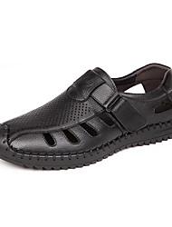 Zapatos de Hombre-Sandalias-Boda / Oficina y Trabajo / Casual / Fiesta y Noche-Cuero-Negro / Marrón