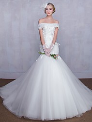 Trumpet / Mermaid Wedding Dress Chapel Train Off-the-shoulder Tulle with Appliques / Beading