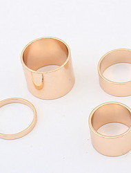 Combining A Plurality Of Metal Rings Rings