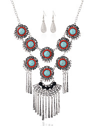 European And American Retro Round Flowers Diamond Earrings Necklace Set